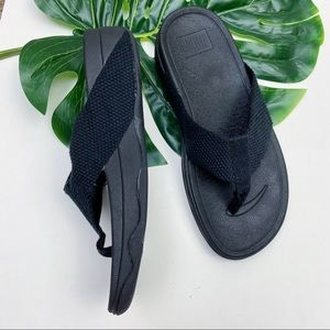 FITFLOP   SURFA   TOE-THONGS   BLACK SANDALS